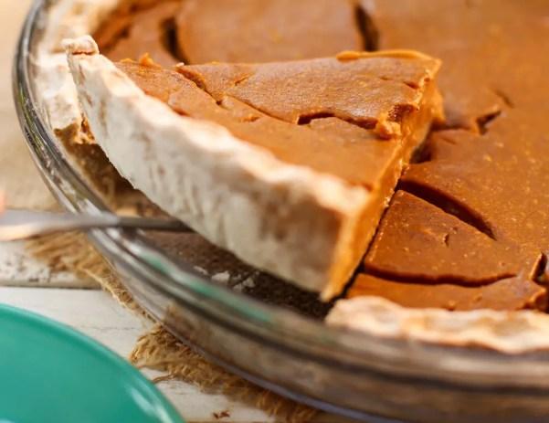 Fruit-Sweetened Pumpkin Pie - Feasting on Fruit