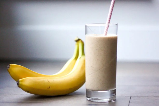 Majoon (Banana and Date) Smoothie - Ahead of Thyme
