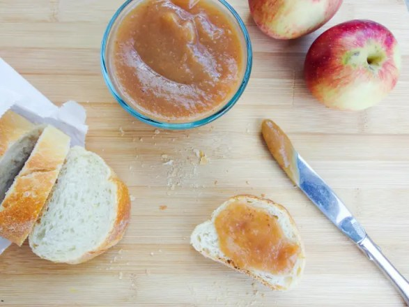 slow_cooker_salted_date_caramel_apple_butter_2
