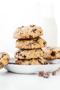 Tahini Medjool Date Chunk Cookies