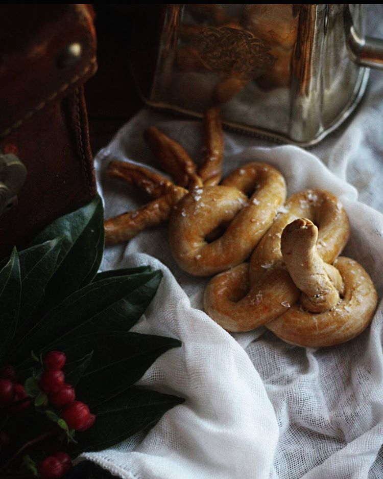 Jacob Kowalskis Occamy bread from the movie Fantastic Beasts andhellip