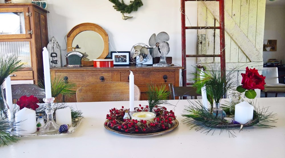 christmas decorating feather and nest style