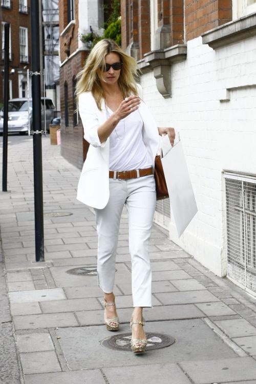 kate moss white tshirt