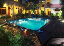 Swimming Pool & Exterior Febri' Hotel Spa - Bali
