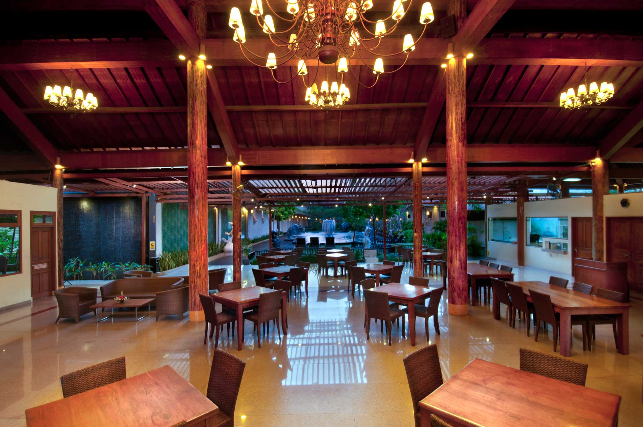 Restaurant  Febris Hotel  Spa  Bali Hotel Kuta  Bali