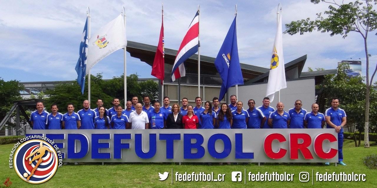 Entrenadores de Regionales se capacitan con FIFA