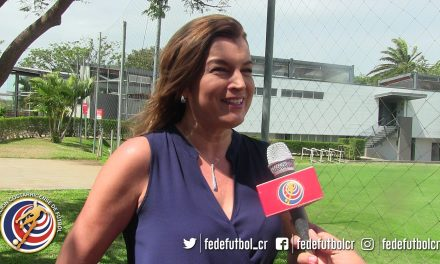 FEDEFUTBOL ficha a Adriana Durán