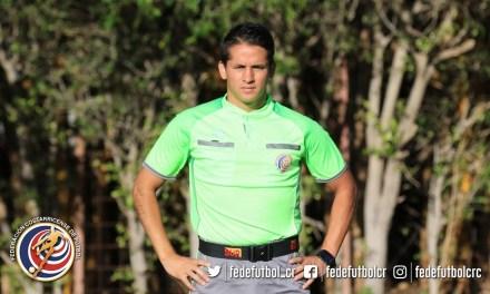 Joven árbitro empieza a sumar en primera división