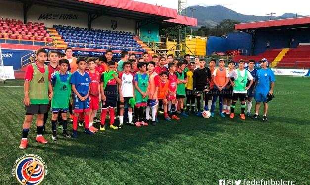 Selecciones regionales unificará el fútbol femenino y masculino