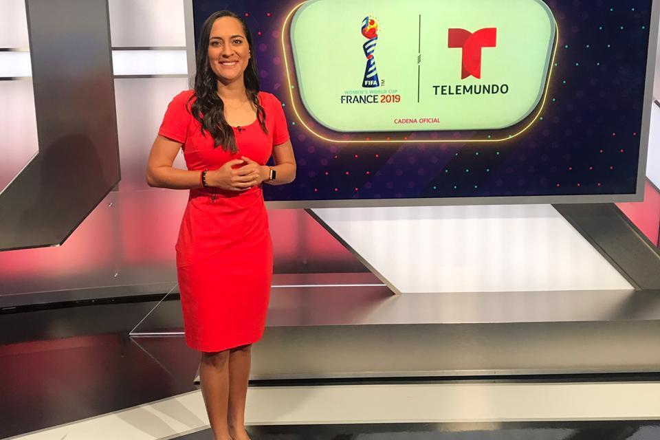 Amelia Valverde mostró faceta como comentarista