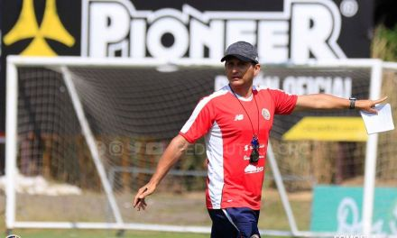 """Ronald González: """"Quedamos contentos con la disposición y entrega mostrada"""""""