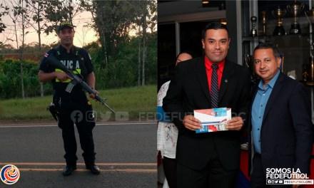 Árbitro deja el silbato para combatir el COVID-19 como policía en la frontera