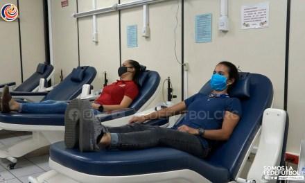 Amelia Valverde y Daniela Cruz se sumaron a campaña para donar sangre