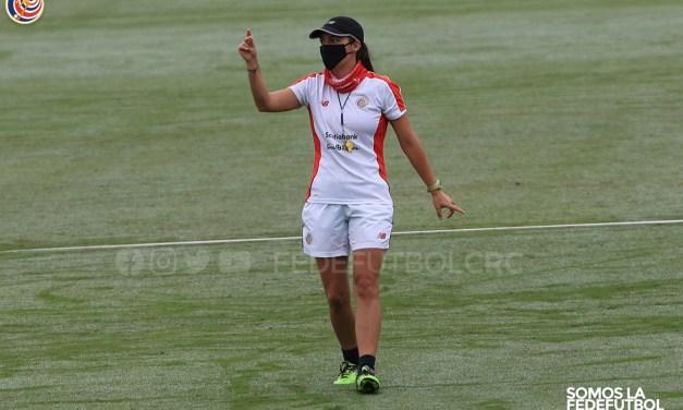 """Amelia Valverde: """"Lo importante es que las jugadoras sigan entrenando"""""""