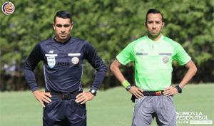 Arbitros Juan Gabriel Calderon y Benjamin Pineda 1