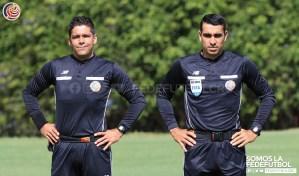 Arbitros Hugo Cruz y Juan Gabriel Calderon