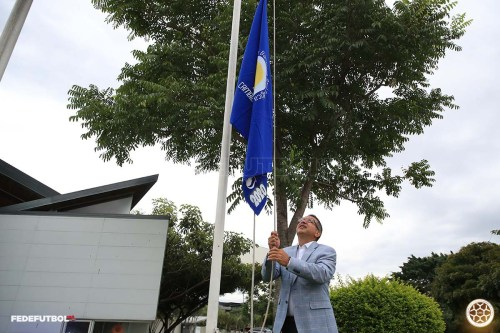 Rodolfo Villalobos Bandera Azul 5