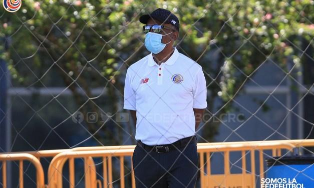 Carlos Watson deja su puesto en la Fedefútbol por razones médicas