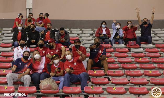 5.000 personas podrán alentar a La Sele en el Estadio Nacional el próximo domingo