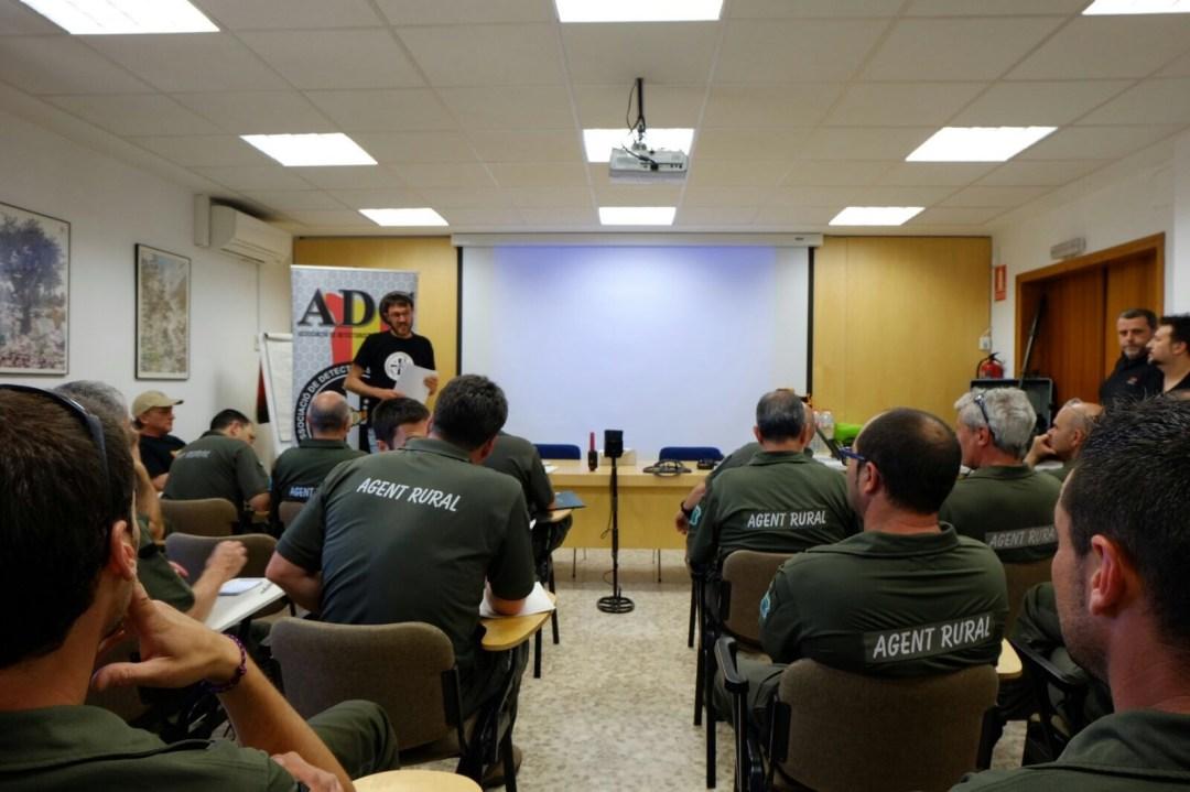 Pierre Astor, Presidente de FEDD impartiendo el !er Curso de Formación a los Agentes Rurales de Catalunya
