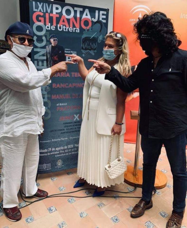 presentación del cartel en LXVI Potage Gitano de Utrera