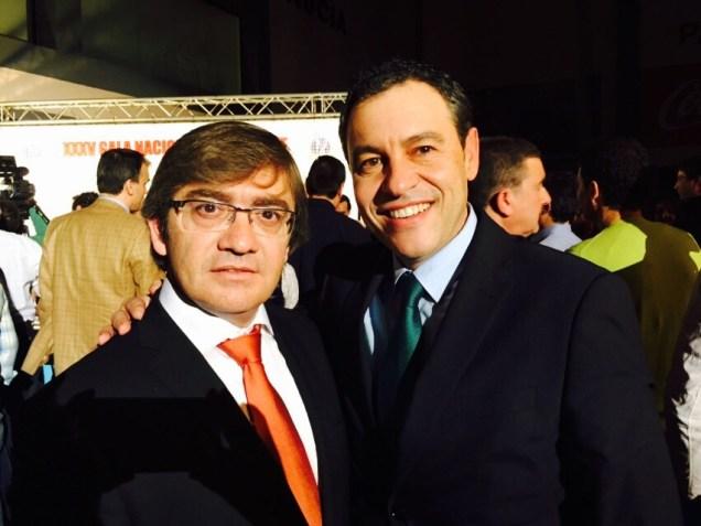 El diputado de Medio Ambiente de Alicante, Javier Sendra, y el presidente de la FCCV, Vicente Seguí.