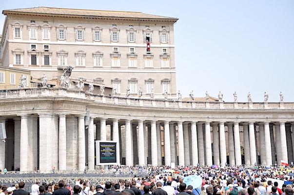 Papa-Francesco-Piazza-San-Pietro
