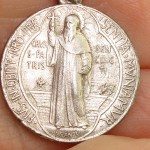 FRENCH ST. BENEDICT VINTAGE CATHOLIC SENTIA MVNIAMVR MEDAL OF PROTECTION!