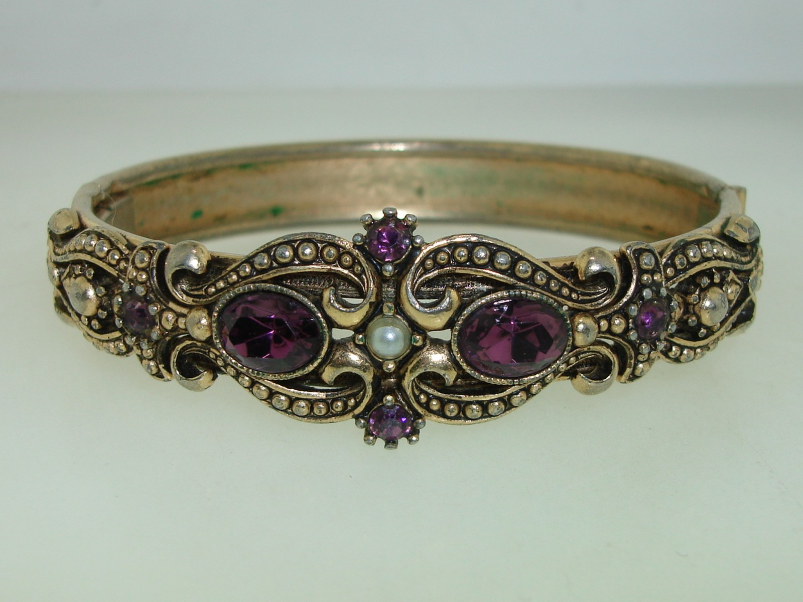 Vintage 1974 Avon Queensbury Ornate Faux Amethyst Hinged