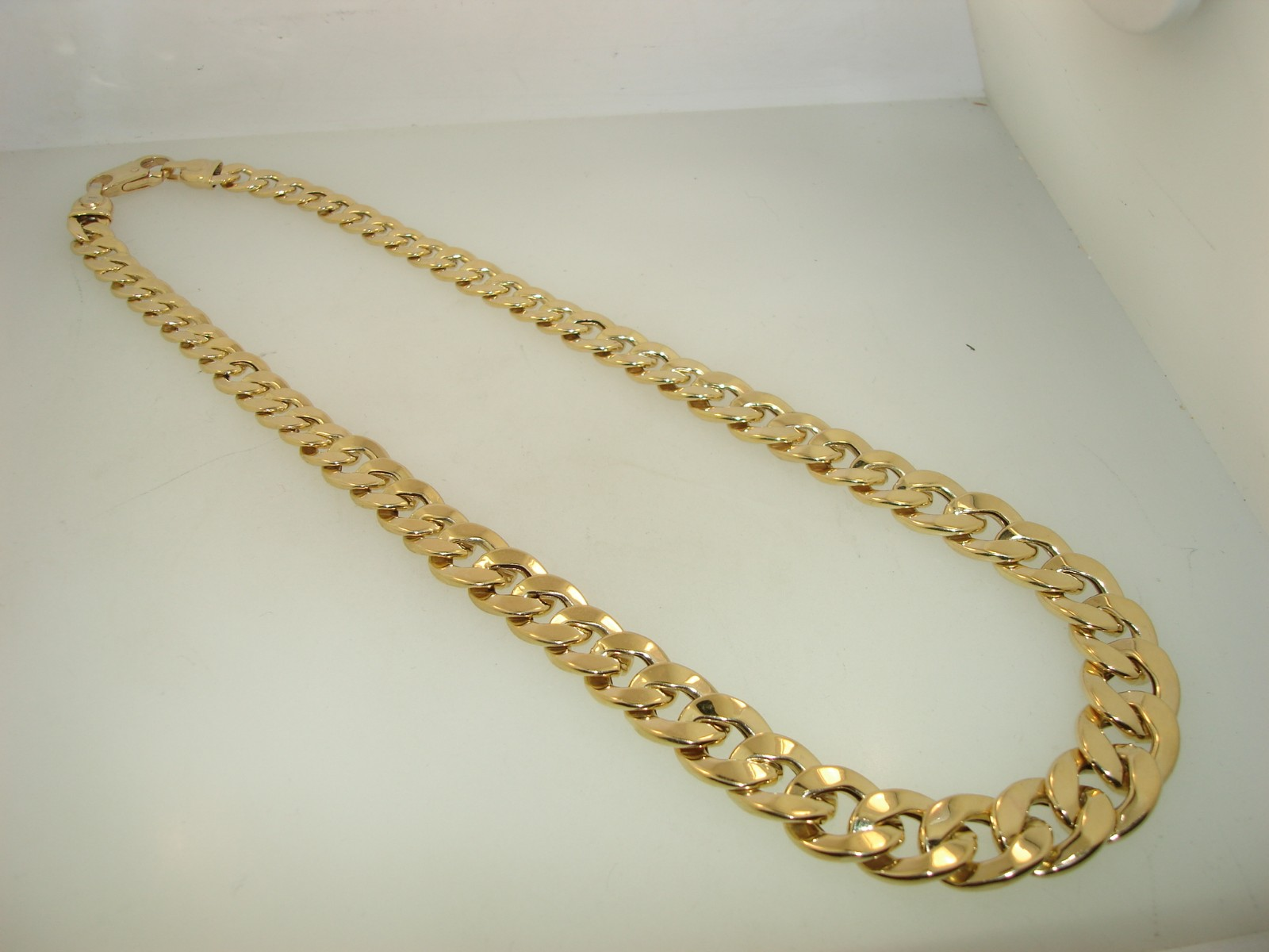 Italy 14k Gold Graduated Curb Link Necklace 17 1 4