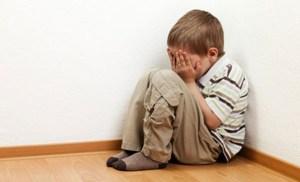 famiglia-mamma-papa-adolescenti-stress-bimbi-genitori-federica-benassi-bambino-psicologo-counselor