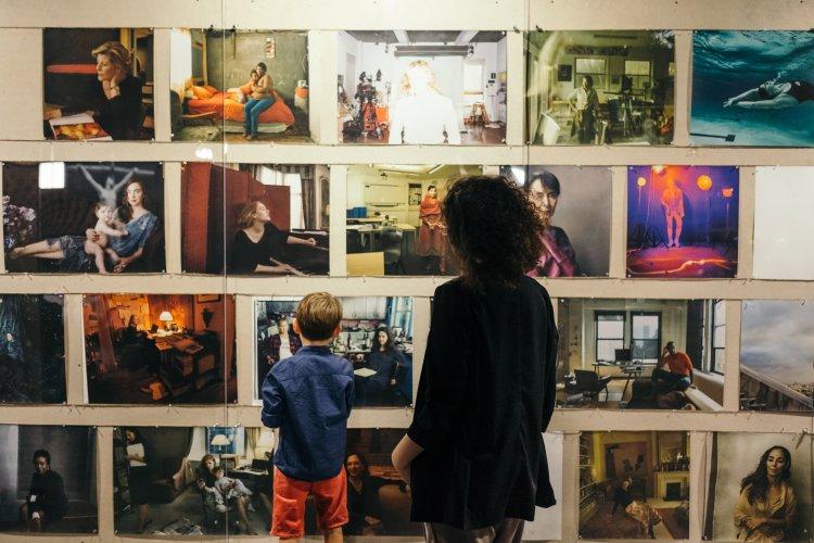 EXHIBITIONS – Annie Leibovitz e i laboratori per famiglie