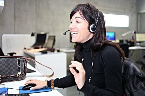 Sonriendo al cliente