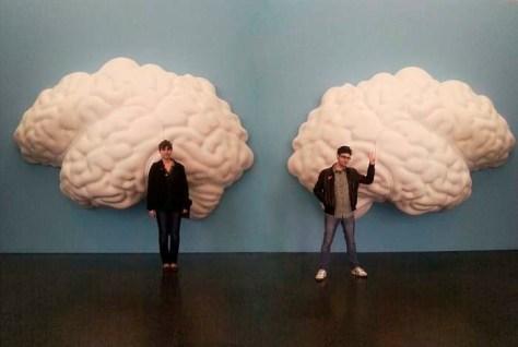 Dos cerebros diferenciados.