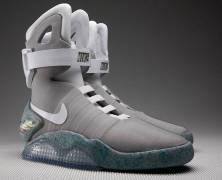 "Back to the future: Nike  2015 – Nike commercializzerà le sneakers di ""Ritorno al Futuro 2″ entro il 2015"