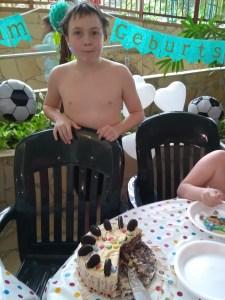 Spencer had 3 pieces of ice cream cake