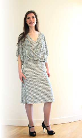 robe drapée en maille par Fée au Château couturière costumière à Versailles