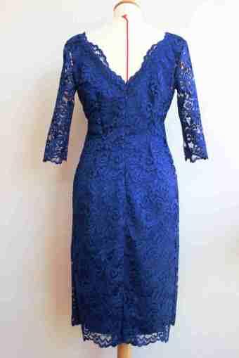 robe en soie et dentelle bleue par Fée au Château couture Yvelines