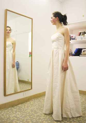 robe de mariage par Fée au Château couturière costumière à Versailles