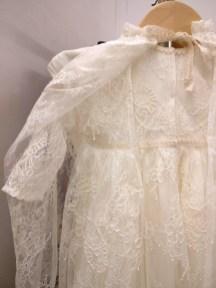 robe et cape de baptême en dentelle sur mesure