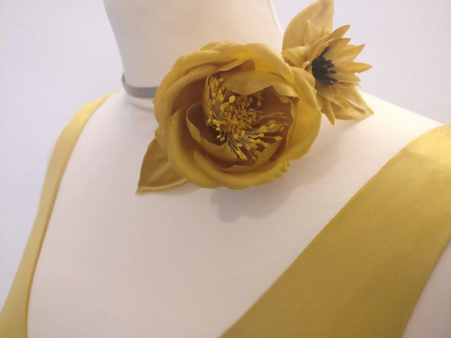 Détail de fleur façonnée par Fée au Château couture