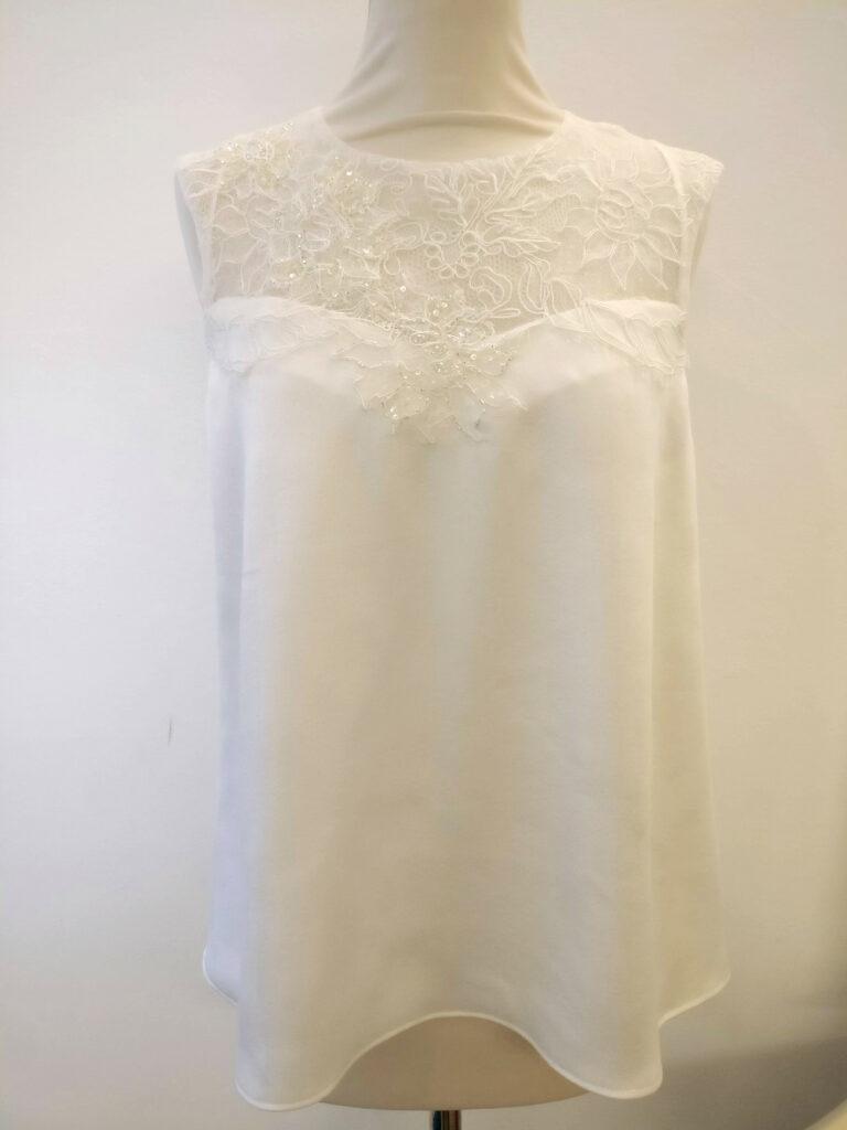 Haut en dentelle mariée par Fée au Château couture sur mesure à Versailles