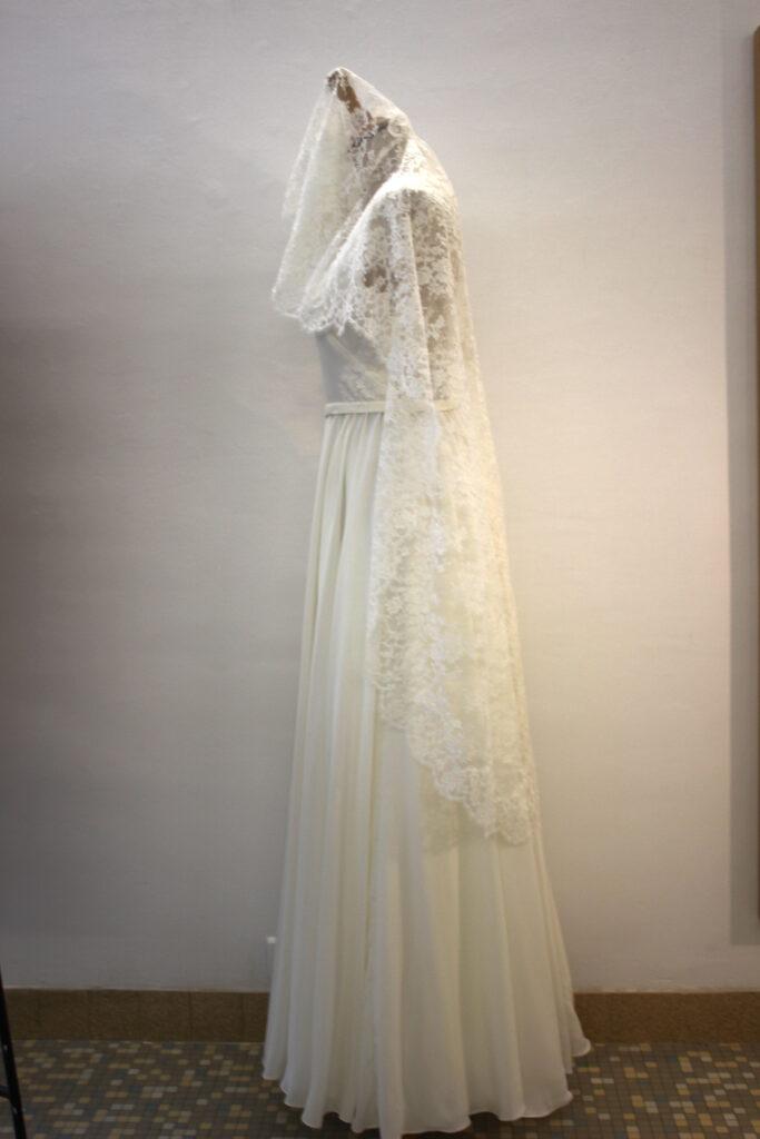 robe et voile de mariée par Fée au Château couturière costumière à Versailles