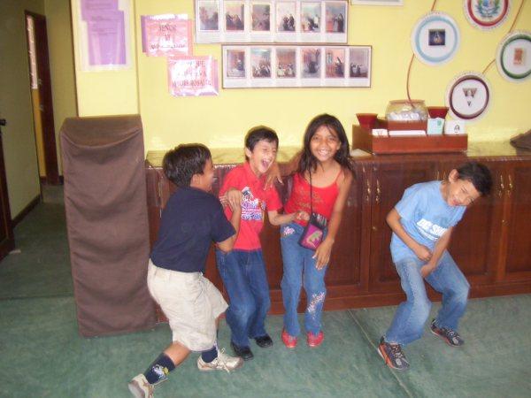 Enfants-joyeux-Pascuales