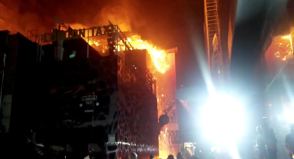 Mumbai, maharashtra, kamala mills, mumbai lower parel, kamala mills compound, fire lower parel, fire