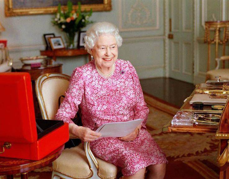 Queen Elizabeth, List of new year honors, 33 people of Indian origin in the list