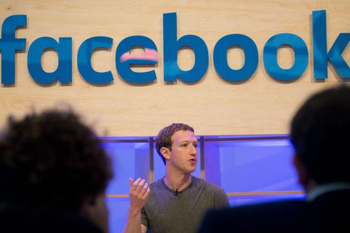 Facebook, Facebook News feed, Mark Zuckerberg, social media platform