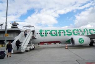 smelling passenger in plane,plane emergency landing,Netherlands