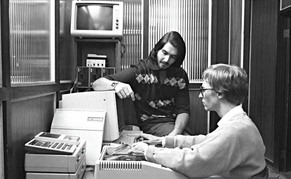 Paul Allen, Microsoft co-founder, Microsoft, IBM, Bill Gates, World News