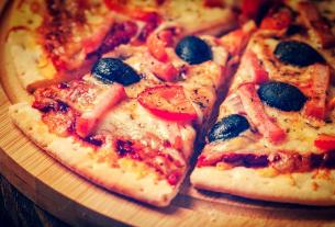 pizza in railway travel, mumbai, IRCTC, Food in Indian Railway